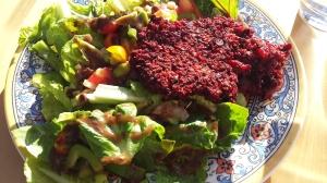 Beet burger salad